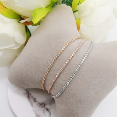 minimal bracelets in gold rose gold and silver