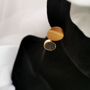 AccentsUK Sarika Large Black Earrings top view